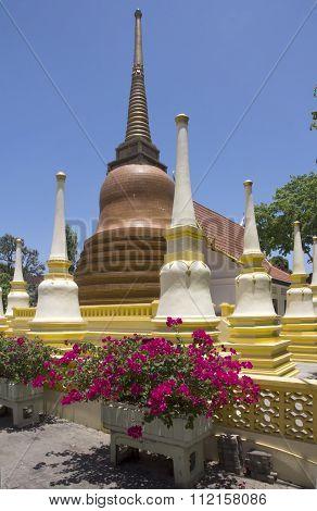Stupa-wat Putta Mongkon