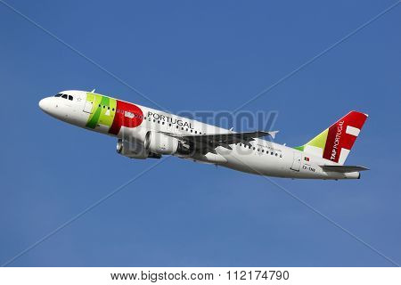 Tap Portugal Airbus A320 Airplane