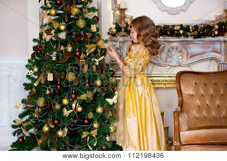 The Girl In A Gold Dress On Christmas