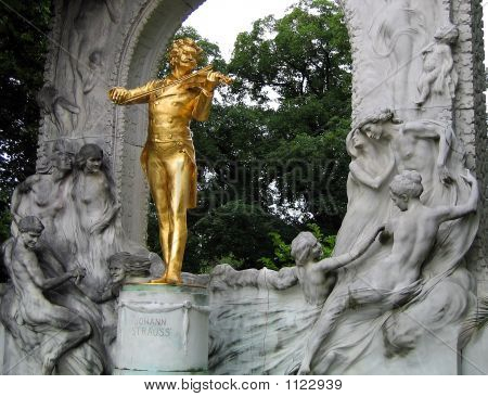 Strauss' Statue In Vienna