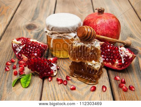 Honey With Pomegranate