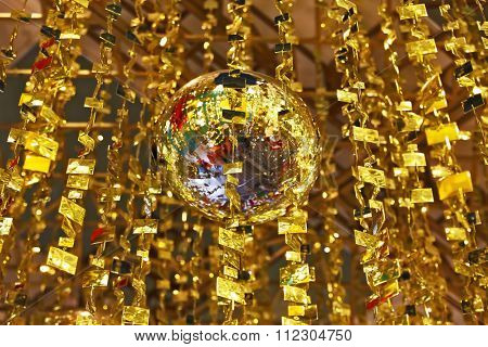 Mirror balls and gold tinsel decorated the hall a luxury hotel in the Chinese province of Shenzhen. Christmas is coming!