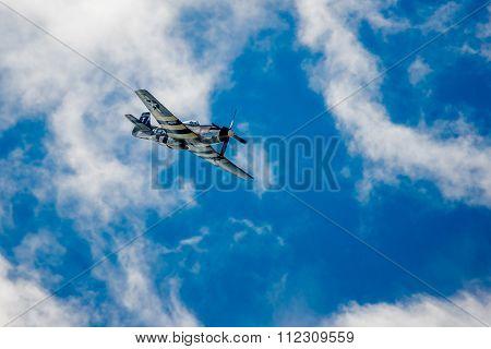 Ww2 P-51 Mustang Diving