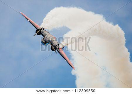 Twin Beach 18 Stunt Plane Looping