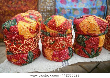 Colorful Ethnic Rajasthan Turbans On Market .