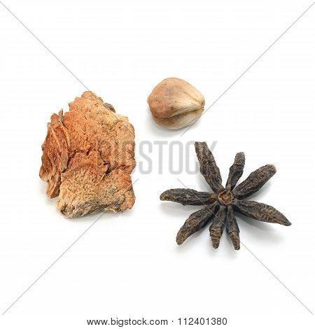 Dried Star Anise, Dried Ginger ,dried Garlic (herb)