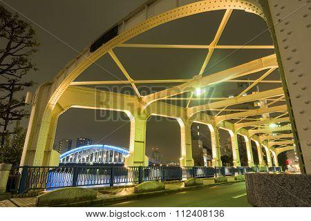 Close up Toyomi bridge