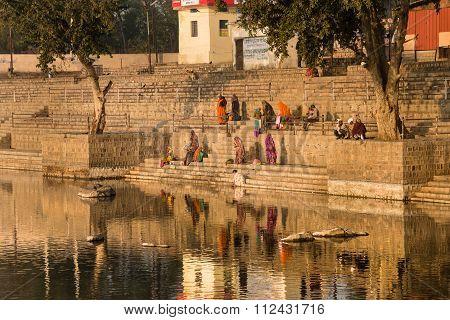 Ghats, Betwa River, Orchha.