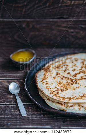 Hot Pancakes .