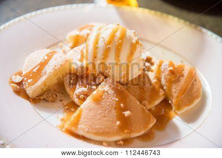 Caramel Sauce Pancake