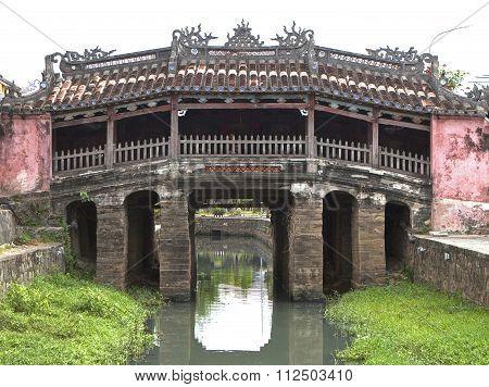 View of the ancient Japanese bridge (Chua Cau) in Hoi An town, Vietnam