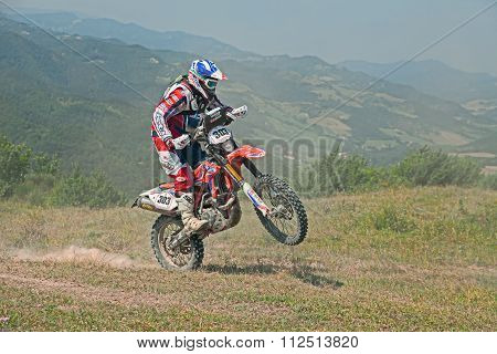 Bikers Riding Enduro Motorcycles Beta Rr 400