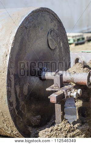 Wheel To Press Mud To Made Mud Bricks