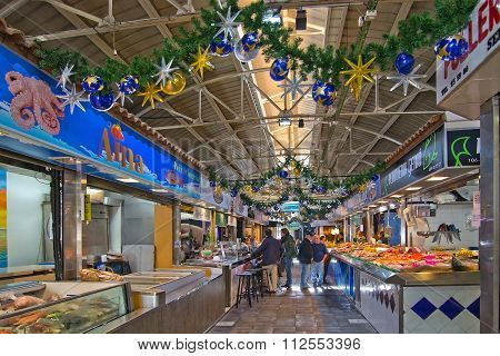Santa Catalina Market In Christmas Decor