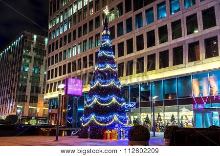 Moscow, Russia - December  27, 2015: Moscow Decorated For New Year And Christmas Holidays. Tverskaya