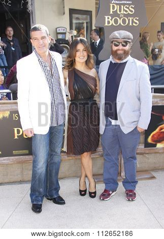 LOS ANGELES, USA - Antonio Banderas, Salma Hayek and Zach Galifianakis at the Los Angeles Premiere of