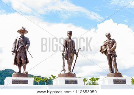 Hua Hin, Thailand - October 11,2015: Ratchapak Park And The Statues Of Seven King Of Thailand Monume