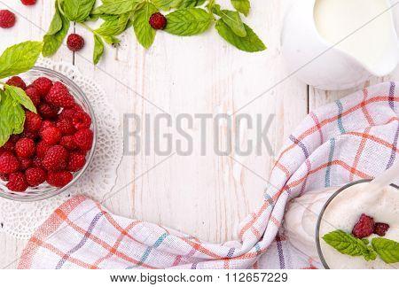 Milkshake with raspberries