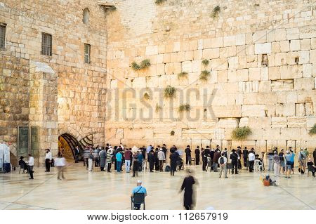 People Approaching The Western Wall I Jerusalem