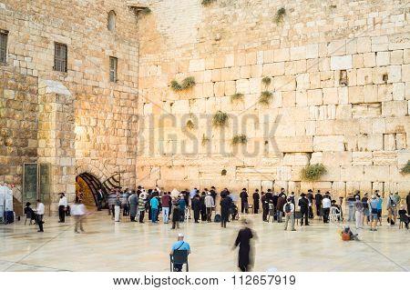 People Approaching The Western Wall I Jerusalem