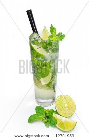 Refreshing lime juice with mint