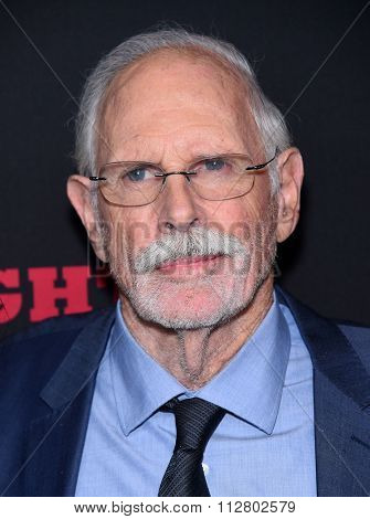 LOS ANGELES - DEC 07:  Bruce Dern arrives to the