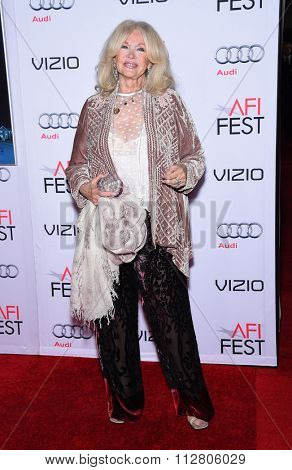 LOS ANGELES - NOV 12:  Connie Stevens arrives to the AFI Fest 2015 Closing Gala 'The Big Short' World Premiere  on November 12, 2015 in Hollywood, CA.