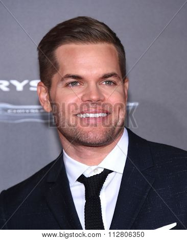 LOS ANGELES - NOV 16:  Wes Chatham arrives to the