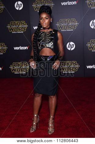 LOS ANGELES - DEC 14:  Janelle Monae arrives to the