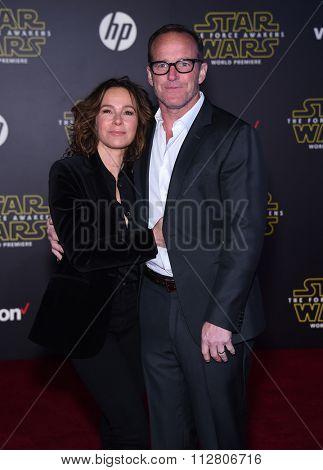 LOS ANGELES - DEC 14:  Clark Gregg & Jennifer Grey arrives to the