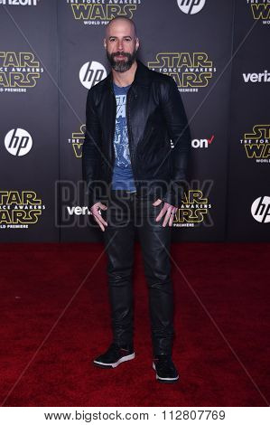 LOS ANGELES - DEC 14:  Chris Daughtry arrives to the