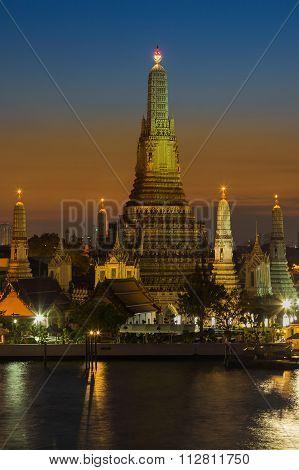 Beauty sky after sunset at Wat Arun Temple in Bangkok