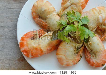 shrimp steamed with Kaffir lime leaf on dish