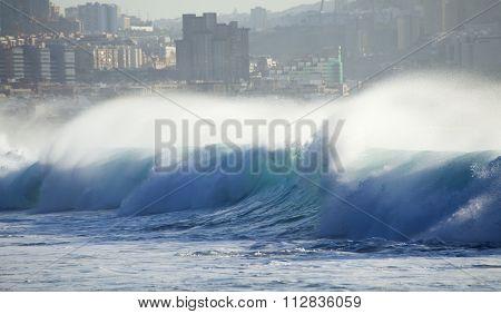 Waves Breaking By El Confital Beach