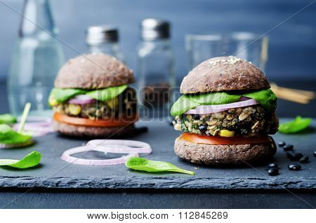 Quinoa Black Bean Spinach Corn Burgers With Black Beans Bun Crust