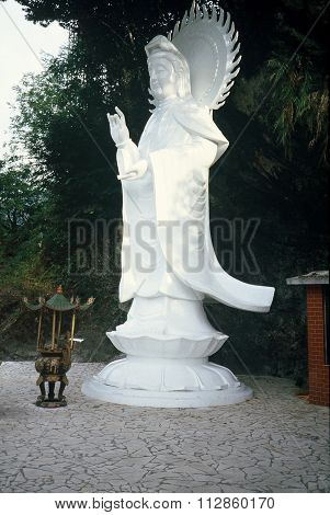 White Robed Guanyin Statue
