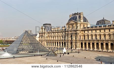 PARIS 26 MARCH 2014: : Louvre Museum BuildingIn Paris, France. Wit