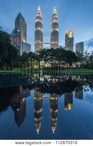 KUALA LUMPUR, MALAYSIA - DECEMBER 31: Petronas Towers on DECEMBER 31, 2015 in Kuala Lumpur, Malaysia. Petronas Towers is the tallest buildings in the world from 1998 to 2004.