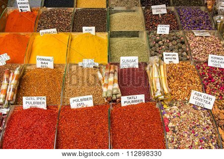 Spices and teas at the Spice market