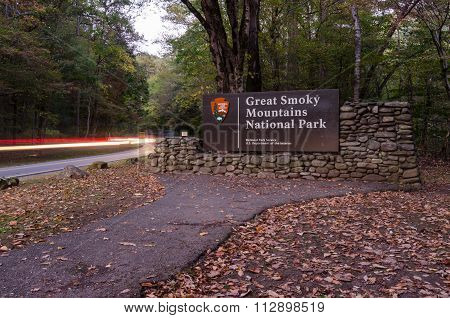 Great Smoky Mountains Entry Sign With Car Lights