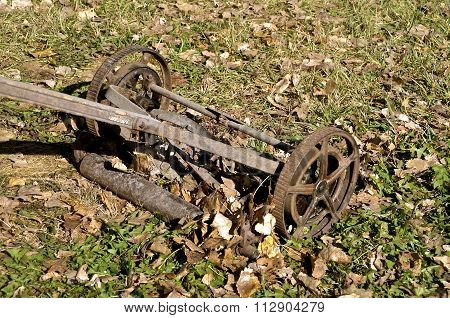 Old push hand lawn mower