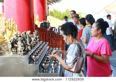 Buddhist Is Donating Money To A Chinese Temple By Their Faith And To Maintain The Temple.