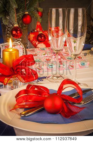 Image Of Christmas Dinner In Restaurant