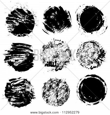 Set Of  Grunge Black Color Figures - Circles, Round Frames. Isolated On White Background.