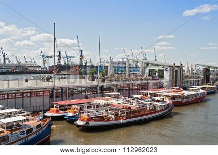 Excursion boats in Hamburg, Germany