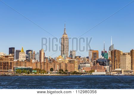 New York, Usa - Oct 23, 2015: The Empire State Building Shines In The Afternoon In New York, Usa. Th