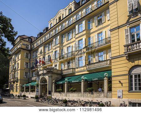 Famous Park Hotel Laurien In Botzen