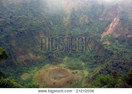 San Salvador, El Boqueron - big volcano crater