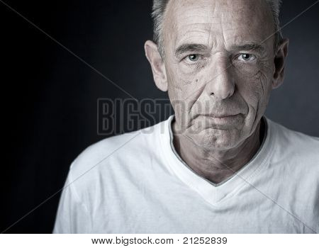 Asking man (senior)