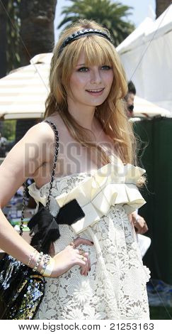 LOS ANGELES - JUNE 8:Mischa Barton at a 'A Time For Heroes' Celebrity Carneval benefiting the Elizabeth Glaser Pediatric Aids Foundation in Los Angeles, California on June 8, 2008